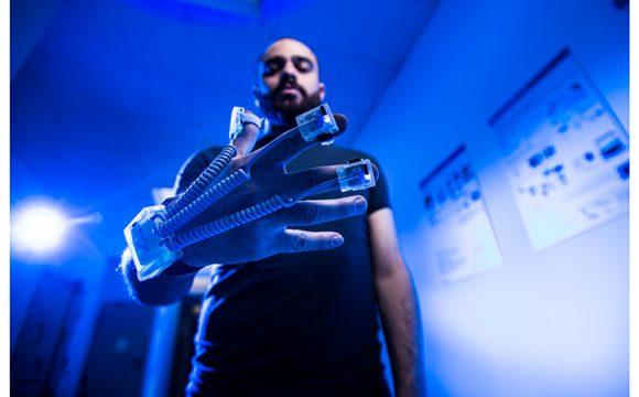 Parkinson, guanti hi-tech lo riconoscono in anticipo
